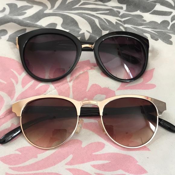 Accessories - 2 pair of glasses